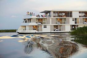 Zambezi Queen luxury houseboat