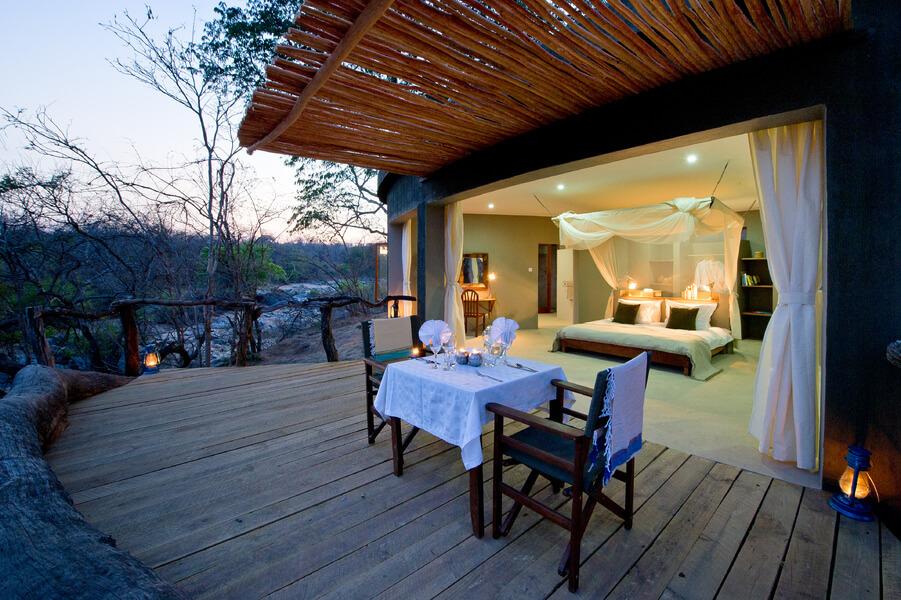 Robin Pope Safaris Mkulumadzi Lodge